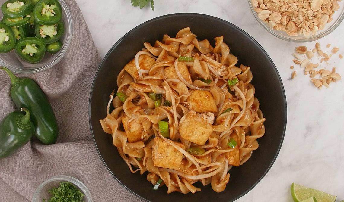 no yolks®  better than take out pad thai noodles